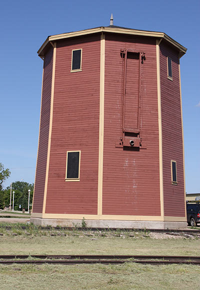 Standard Water Tank in Kenaston, Saskatchewan. A tank similar to this existed at Caprona until the end of the steam-era.